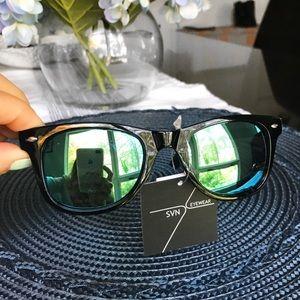 🆕 GREEN BLUE LENSE BLACK FRAME SUNGLASSES!